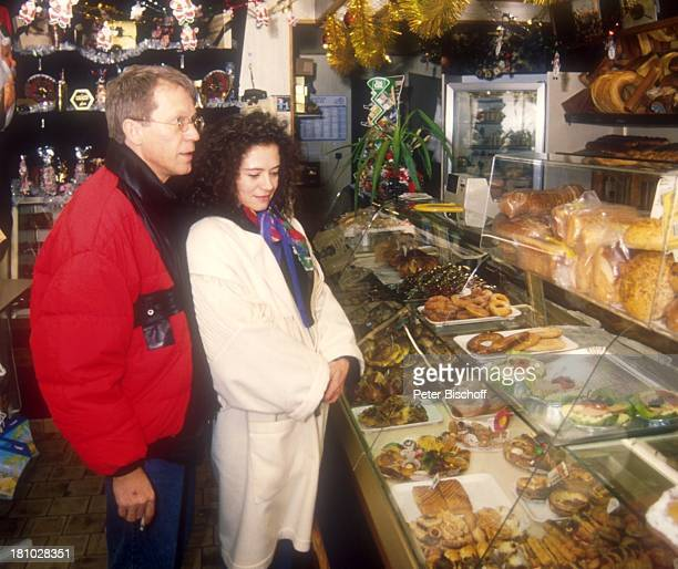 Gernot Endemann Ehefrau Jocelyne Boisseau Paris Frankreich Europa Geschenkartikelladen Schauspieler Prominenter dah