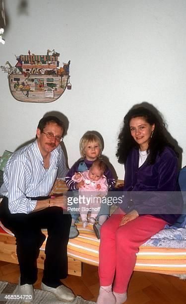 'Gernot Endemann Ehefrau Jocelyne Boisseau Tochter Marine Endemann und Tochter Alicia Endemann Homestory am in Hamburg Deutschland '