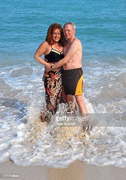 Gernot Endemann Lebensgefährtin Sabine SchmidtKirchner BeachcomberLuxusHotel 'Shandrani Blue Bay' Insel Mauritius Indischer Ozean Asien Urlaub Meer...