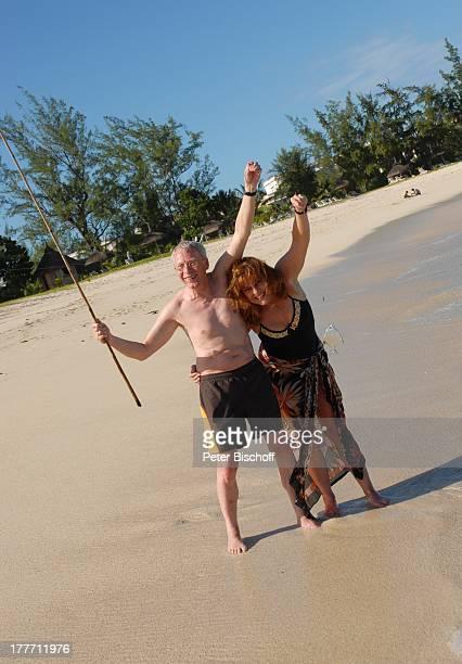 """Gernot Endemann, Lebensgefährtin Sabine Schmidt-Kirchner, Beachcomber-Luxus-Hotel """"Shandrani Blue Bay"""", Insel Mauritius, Indischer Ozean, Asien,..."""