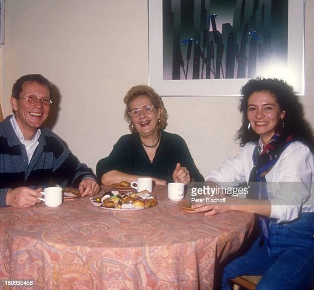 Gernot Endemann Schwiegermutter Andree Duval Ehefrau Jocelyne Boisseau Paris Frankreich Europa Kaffeetisch Familie Mutter Prominenter Schauspieler dah