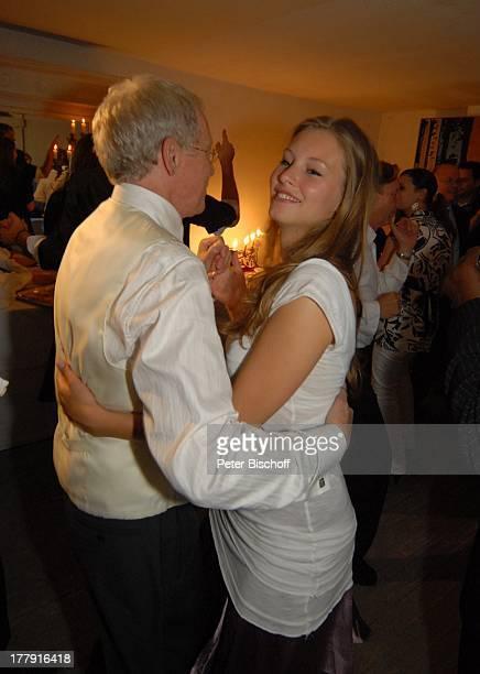 """Gernot Endemann, Tochter Alicia, Hochzeitsfeier , Restaurant """"Paradies"""", Hannover, Niedersachsen, Deutschland, Europa, Tanz, tanzen, Schauspieler,"""