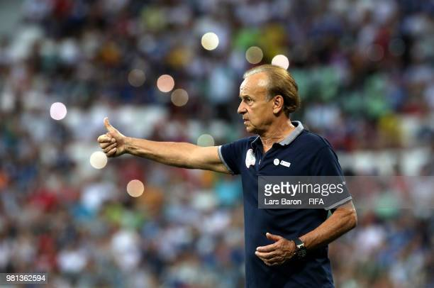 Gernot Rohr Manager of Nigeria gives his team instructions during the 2018 FIFA World Cup Russia group D match between Nigeria and Iceland at...