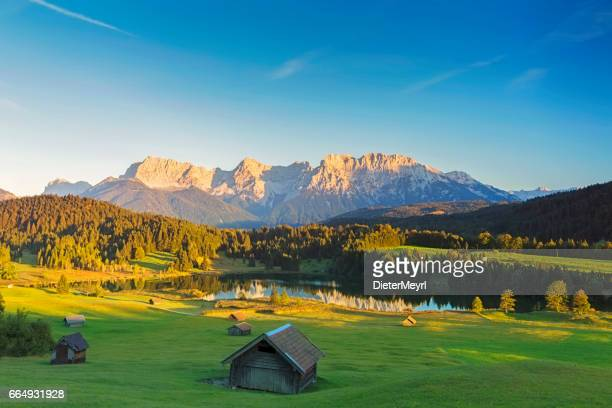 geroldsee at sunset, garmisch patenkirchen, alps - karwendel mountains stock pictures, royalty-free photos & images