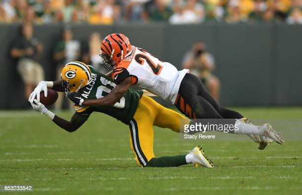 Geronimo Allison of the Green Bay Packers catches a pass during the fourth quarter against the Cincinnati Bengals at Lambeau Field on September 24...