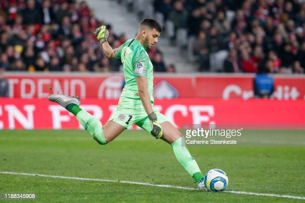 Geronimo Rulli of Montpellier Herault SC shoots the ball during the Ligue 1 match between Lille OSC and Montpellier HSC at Stade Pierre Mauroy on...