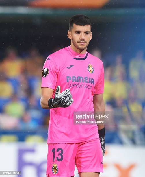 Geronimo Rulli of Villarreal CF in action during the UEFA Europa League Group I stage match between Villarreal CF and Maccabi Tel-Aviv FC at Estadio...