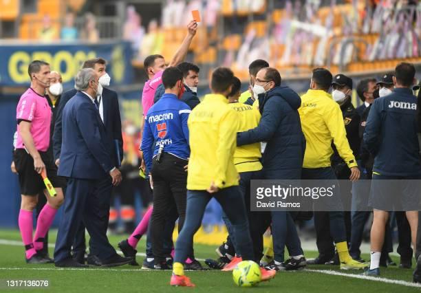 Geronimo Rulli of Villarreal CF is shown a red card by Referee David Medie Jimenez during the La Liga Santander match between Villarreal CF and RC...