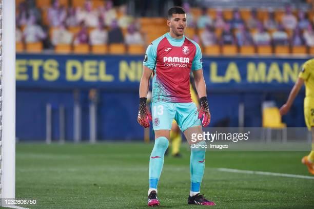 Geronimo Rulli of Villarreal CF looks on during the UEFA Europa League Semi-final First Leg match between Villareal CF and Arsenal at Estadio de...