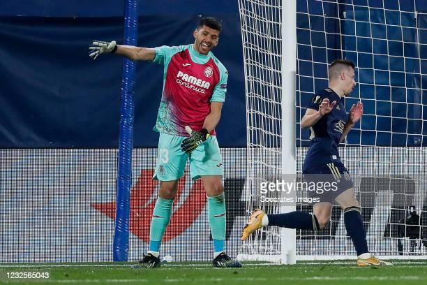 Geronimo Rulli of Villarreal, Mislav Orsic of GNK Dinamo Zagreb celebrates goal 2-1 during the UEFA Europa League match between Villarreal v Dinamo...