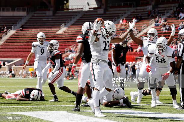 Gerrid Doaks of the Cincinnati Bearcats reacts after rushing for a one-yard touchdown in the second quarter of the game against the Austin Peay...