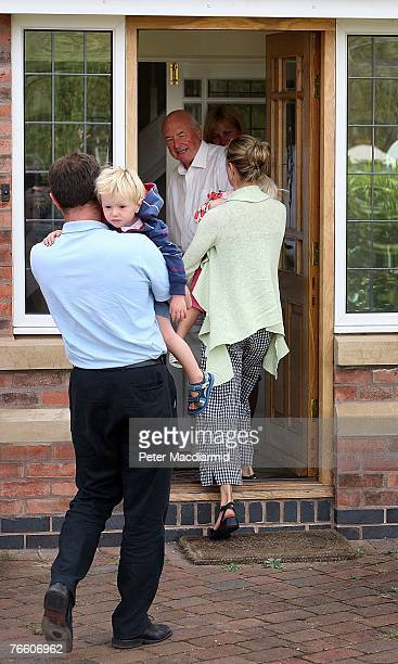 Gerry and Kate McCann arrive home with their twins Sean and Amelie as Kate's Uncle Brian Kennedy looks on on September 9 2007 in Rothley England The...