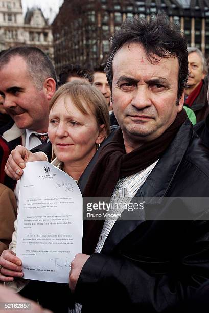 Gerry Conlon speaks to the press with Bridie Brenan after listening to Prime Minister's Questions at the Houses of Parliament February 9 2005 in...