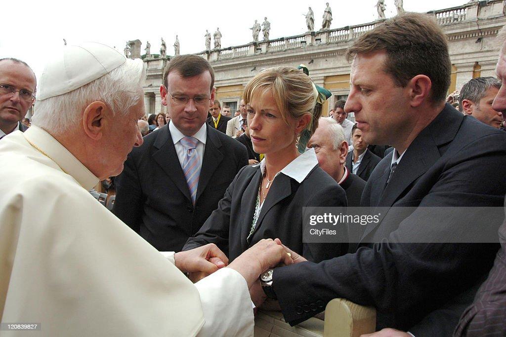 Parents of Missing Madeleine McCann, Gerry McCann and Kate McCann, visit Pope Benedict XVI : News Photo