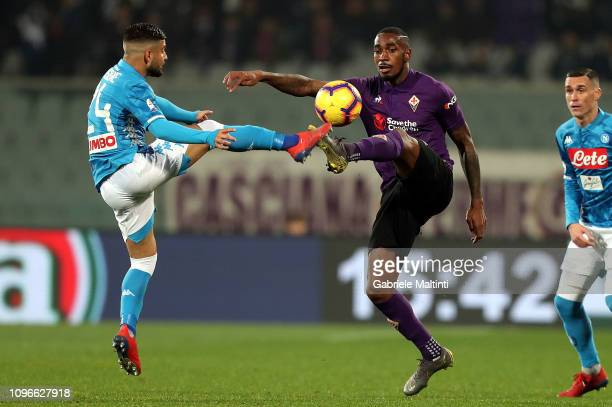 Gerson of ACF Fiorentina battles for the ball with Lorenzo Insigne of SSC Napoli during the Serie A match between ACF Fiorentina and SSC Napoli at...