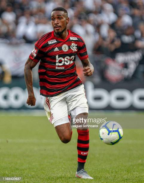 Gerson of Flamengo controls the ball during a match between Corinthians and Flamengo for the Brasileirao Series A 2019 at Arena Corinthians on July...