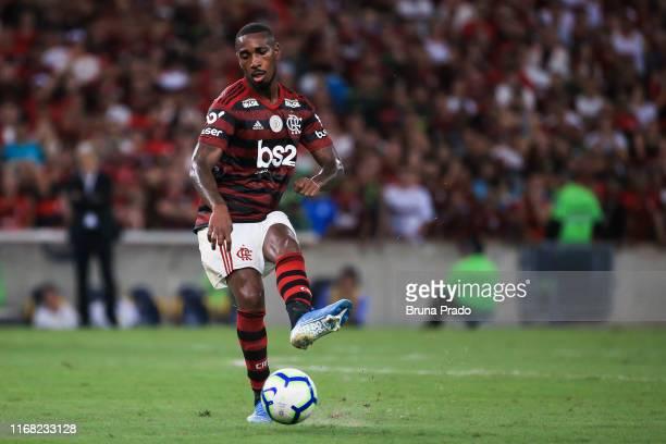 Gerson of Flamengo kicks the ball during a match between Flamengo and Santos as part of Brasileirao Series A 2019 at Maracana Stadium on September 14...