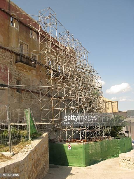Gerüst an Kathedrale IbizaStadt Insel Ibiza Balearen Spanien Europa Kirche Reise AS DIG PNr 663/2010 Foto PBischoff Jegliche FotoNutzung nur gegen...