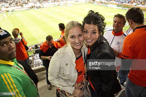 gertrude kuyt Andra van Bommel during the 2010 World Cup semifinal football match Uruguay vs Netherlands on July 6 2010 at Green Point stadium in...