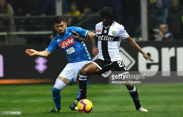 Gervinho of Parma Calcio competes for the ball with Elseid Hysaj of SSC Napoli during the Serie A match between Parma Calcio and SSC Napoli at Stadio...