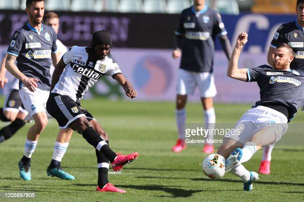 Gervinho of Parma Calcio in action during the Serie A match between Parma Calcio and SPAL at Stadio Ennio Tardini on March 8 2020 in Parma Italy