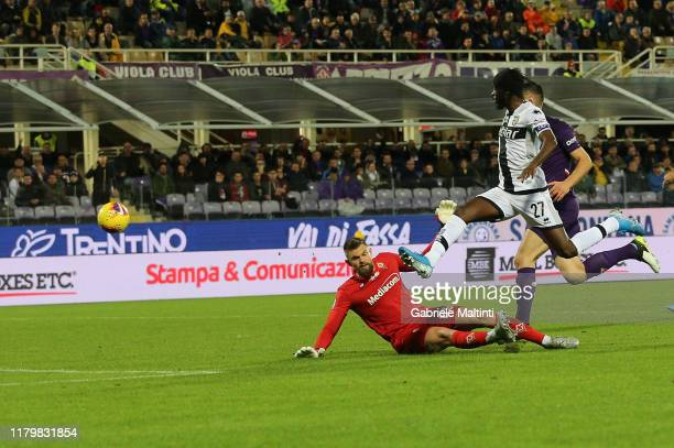 Gervinho of Parma Calcio scores the opening goal during the Serie A match between ACF Fiorentina and Parma Calcio at Stadio Artemio Franchi on...
