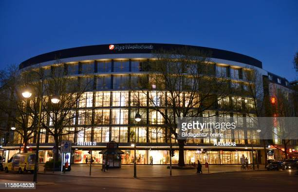 Geschaeftshaus, Rankestrasse, Tauentzienstrasse, Charlottenburg, Berlin, Germany.