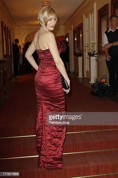 Gesine Cukrowski Im Kleid Von Anna Von Griesheim Beim Gala Spa Award Im Hotel Brenners In BadenBaden