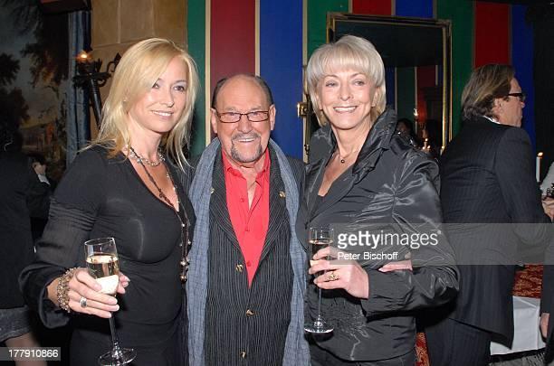 Gesine Lippert Herbert Köfer Marion Römer Feier zum 90 Geburtstag von H K F E R Amber Suite im Ullsteinhaus Berlin Deutschland Europa Party...