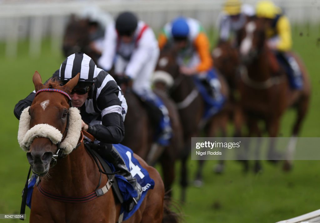 Get Knotted ridden by Paul Mulrennan wins The Win £100k for
