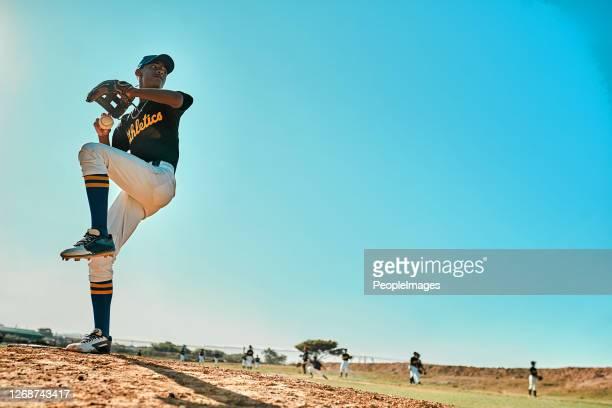 préparez-vous ! - baseball pitcher photos et images de collection