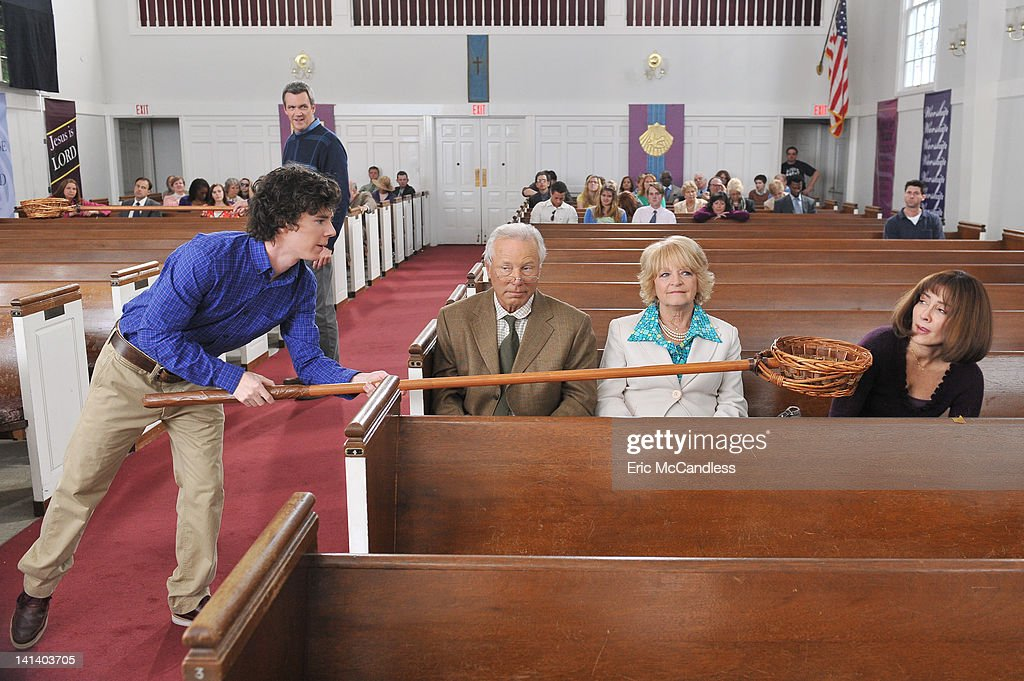 "ABC's ""The Middle"" - Season Three : News Photo"
