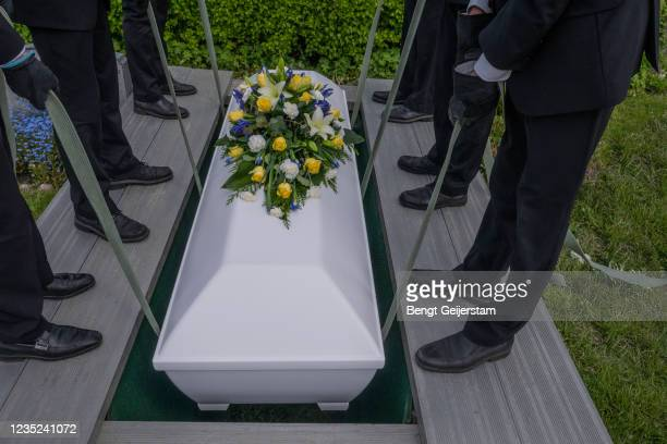 get.10557.funeral - coffin stock pictures, royalty-free photos & images
