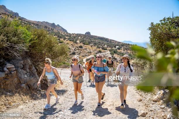 weg van alles - greek islands stockfoto's en -beelden