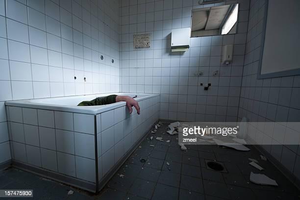 opciones de limpio - dead body fotografías e imágenes de stock