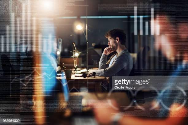 obter códigos rachados através da noite - figurantes incidentais - fotografias e filmes do acervo
