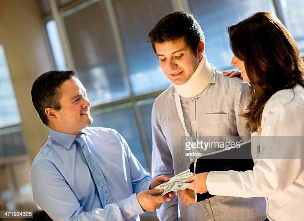 Obtener compensación de seguro médico