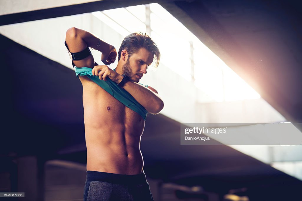 getting prepared for workout : Stock Photo