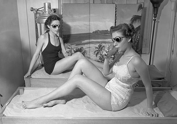 UNS: Bettmann Moments-Sunglasses