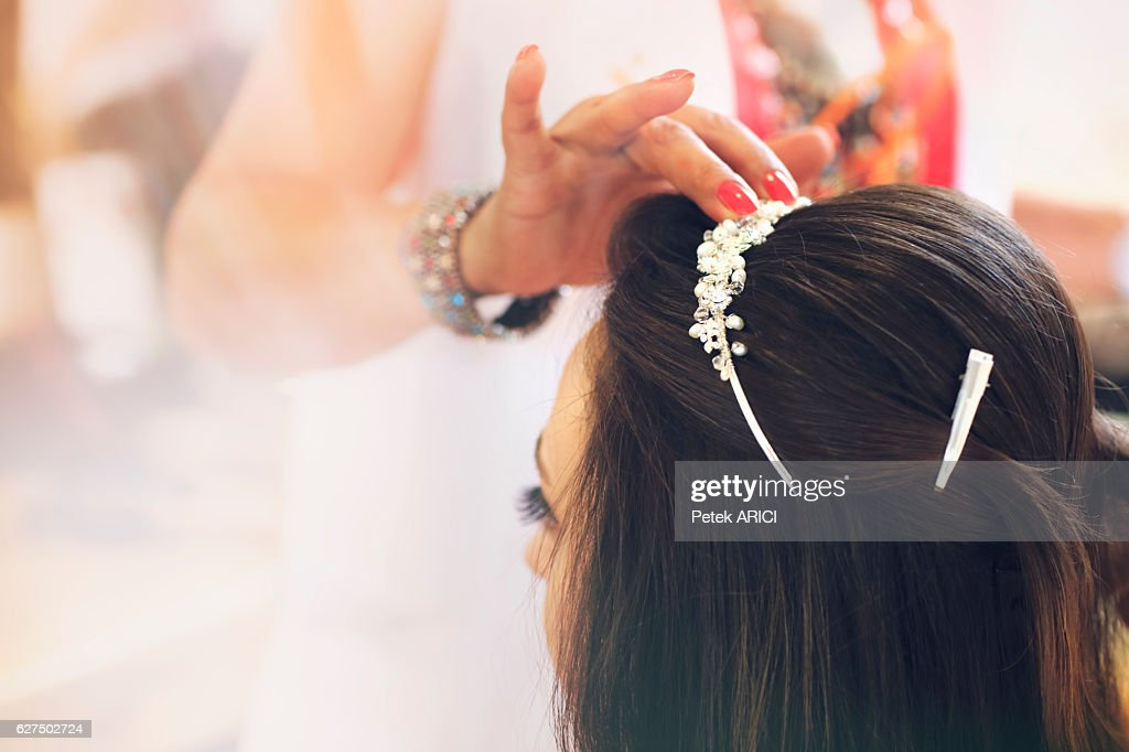 Getting ready for the happiest day of her life : Stock Photo