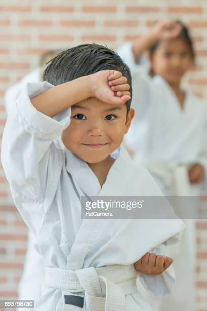 preparando-se para lutar! - taekwondo - fotografias e filmes do acervo