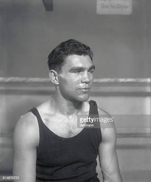 Getting set for his bout with Johnny RiskoMax Schmeling trains at Madame Bey's camp for his forthcoming bout with Johnny Risko