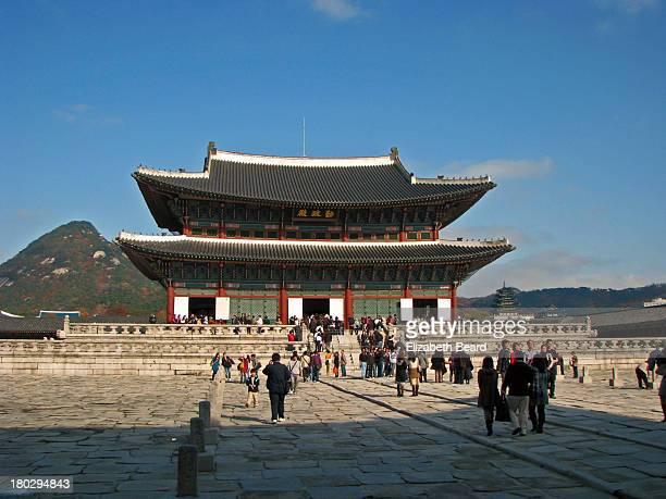 geunjeongjeon main throne hall - gyeongbokgung stock photos and pictures
