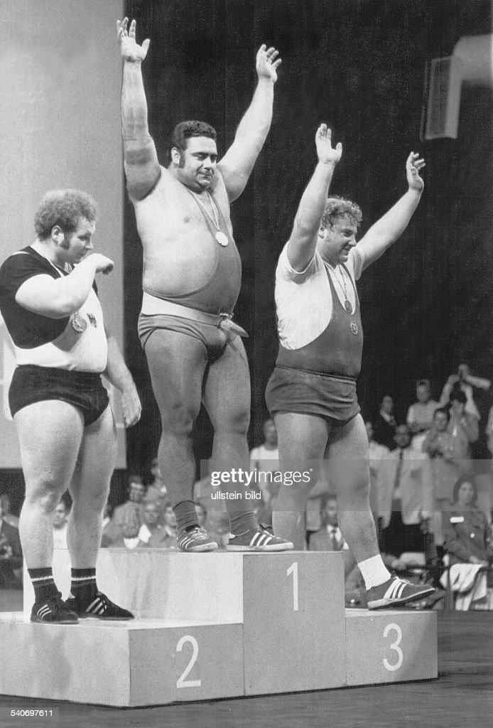 Gewichtheben Superschwergewicht Bei Den Olympischen Spielen In Munchen Auf Dem Siegerpodest V L Rudolf