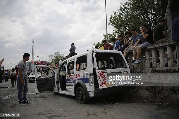 "Gezi Occupy"" taksim gezi istanbul harm zarar yikmak demolish ayaklanma isyan revolt turkiye turkey"
