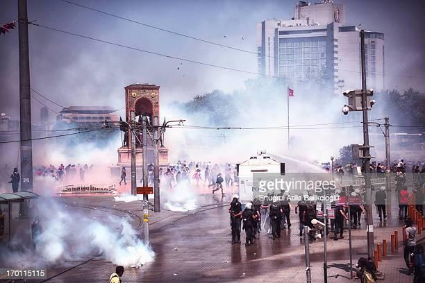 "Gezi Park Occupy police polis toma panzer ""water canon"" ""su topu"" meydan square gezi park taksim gosteri demonstration rebel ""young people""siddet..."