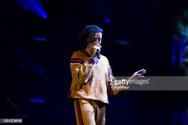 Ghali, Italian rapper of Algerian origins, has performed live in Turin during what may be called his first real tour to support the debut album...