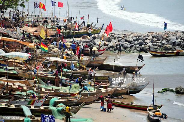 Ghana, Elmina-bateaux de pêche se préparer