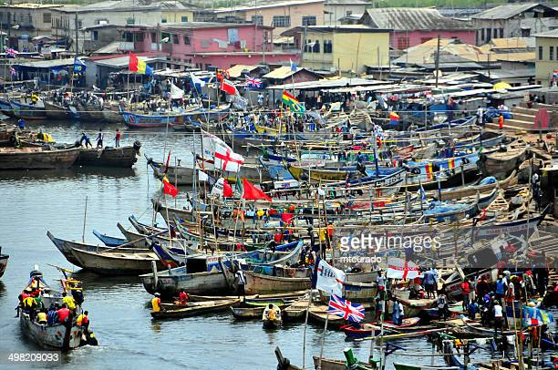 Ghana, Elmina, market day on the creek