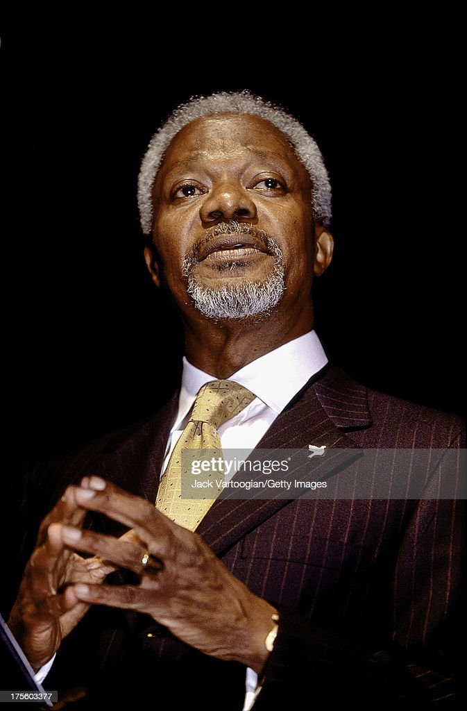 Ghanaian diplomat and Secretary-General of the United Nations, Kofi Annan introduces 'For Dancers Only,' an evening of Swing dancing with The Lincoln Center Jazz Orchestra at Roseland Ballroom, New York, New York, May 19, 2000.